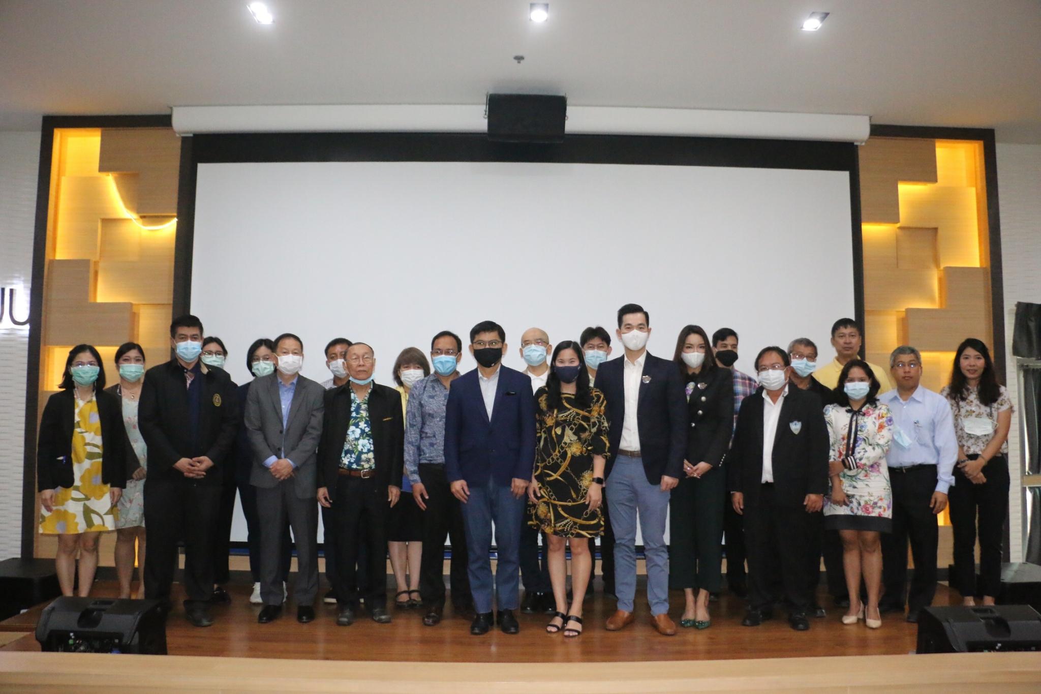 อธิการบดี และผู้บริหารมหาวิทยาลัยบูรพา ได้เข้าร่วมรับฟัง และปรึกษาหารือแนวทางการบริหารคณะฯ